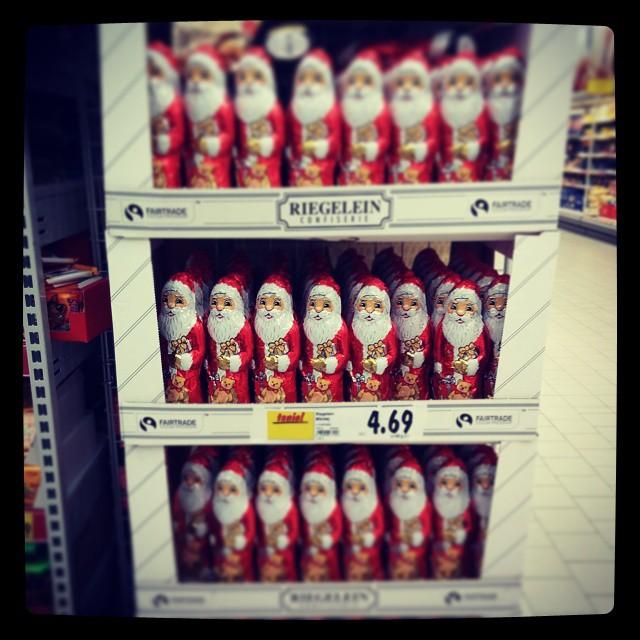 Mikołaje przed zniczami czyli Lastchrystmasajgejwjumajhart ;)#marketing