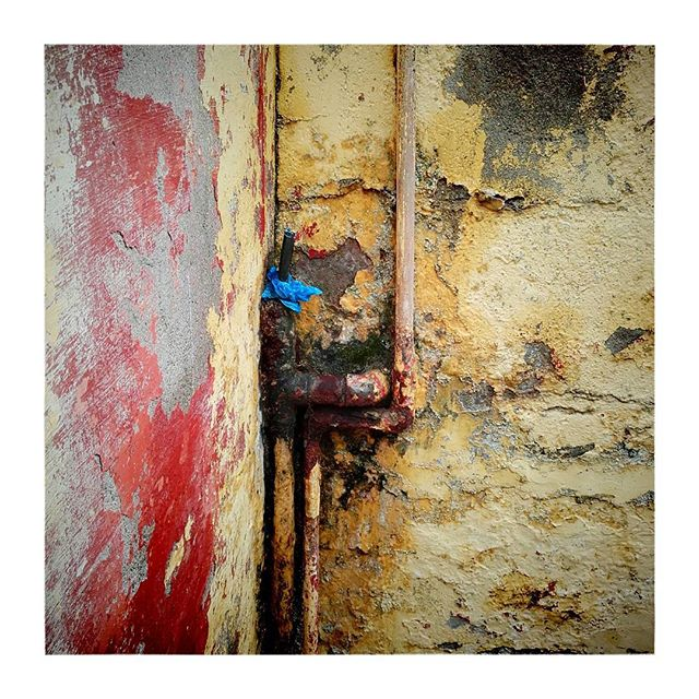 Colours of India#Agra #wall #red #yellow #blue #indiapictures #_soi