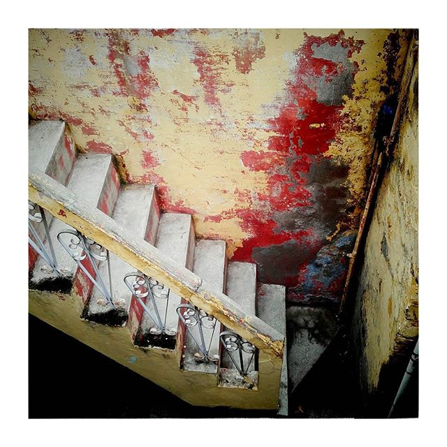 Colours of India#Agra #stairs #yellow  #red #_soi #indiapictures