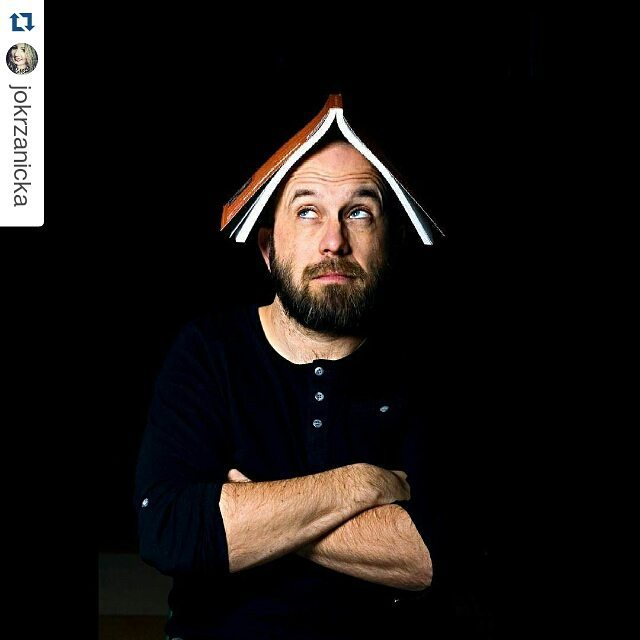 @jokrzanicka zrobiła mi zdjęcie ;)・・・Incredibly positive person, traveler, two-time winner of the TRAVELER award from National Geographic magazine, the author of travel books. Robb also leads the Ethno workshopand created the project Tuk Tuk Cinema.@robbmaciag#portrait #man #photography #positivevibes #travel #meeting #canon #poland #Rzeszow #peoplephotography #portraitphotography #unifilmphoto #photooftheday #photo
