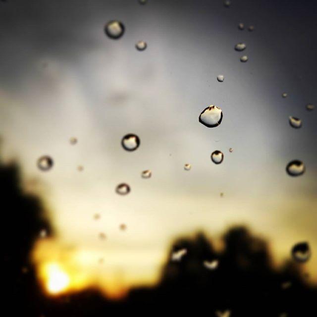 To dobranoc ... #poburzy #kropla #petergabriel ;)#drop #sunset #storm #zachodslonca #mazurygarbate